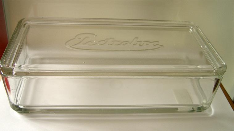 branded kubus glass storage box designed by wilhelm wagenfeld 1938. Black Bedroom Furniture Sets. Home Design Ideas